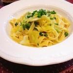 ビランチャ - 料理写真:キャベツとアンチョビのフェトチーネ