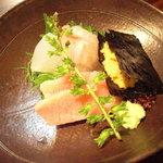 nihonryourisugawara - 鮪 (トロ)、鮃、鮃縁側、海胆の磯辺巻。