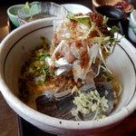 魚季亭 - 味噌たたき鯵のぶっかけ丼(タレかけ後)