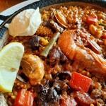 130011560 - 大きな赤海老とふっくらジューシーな牡蠣が嬉しい!クリーミーでパンチの効いたアイオリソースとレモンで味変も