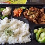 旬菜イチバ陣屋門 - 弓豚の焼肉弁当