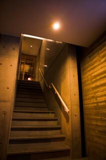 壺川 - 1階階段入口