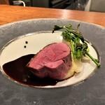 hiroto - フランスはビュルゴー家産の鴨 この赤い色を見ていただけたら伝わりますでしょうか、美味しさが♬