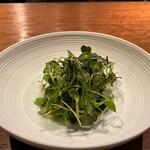 hiroto - 三原の高掛農園さんのお野菜 温かいスープでいただくサラダはこちらのスペシャリテ♪