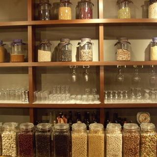 私達は、発酵食を究極の美と健康の原点として注目し研究しています。
