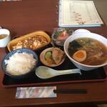 花丘飯店 - 料理写真:麻婆豆腐セット¥930