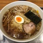 昭島大勝軒 - 料理写真:「ワンタン麺」1000円+「生玉子」50円