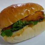 ブーランジェリー トースト - フィッシュフライ270円