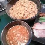 13008354 - 鶏濃厚つけ麺(2玉)700円