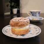 フランス焼菓子 シャンドゥリエ - 料理写真:「パリ ブレスト」680円