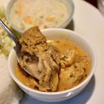 アンナンブルー・ブンカフェ - 鶏肉たっぷり
