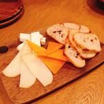 130106741 - チーズ盛り合わせ