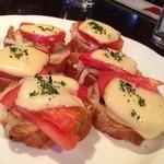 オーピンク - こちらはトースト、トマトとチーズとマッシュルームとかの内容でした。