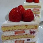 130116685 - 苺のショートケーキ・ブラン&ルージュ