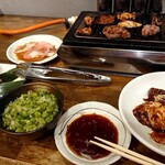 味噌とんちゃん屋 江南ホルモン - わしの焼肉パーティーじゃーーーい!!