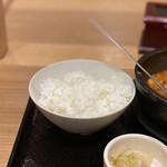 カルビ丼とスン豆腐専門店 韓丼  - 牛すじスン豆腐 750円 (ごはん)