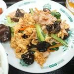 鳳味園 - 料理写真:豚肉と木茸の玉子炒め