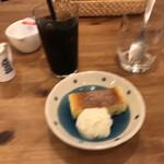 ア ビヤント  - デザートとアイスコーヒー(ぶれ、すいません)
