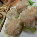 西安刀削麺 - 食べかけ餃子と柔らかシュウマイ