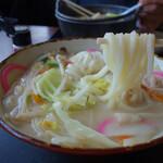こまどりうどん - 料理写真:『うどんチャン』730円。