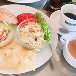 ブギーカフェ - ハンバーガーセット&コーヒー