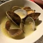 サンブーカ - 活浅利の白ワイン蒸し