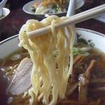 本郷食堂 - 麺アップ