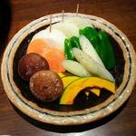 焼肉 坂の途中 - 野菜盛り(780円)