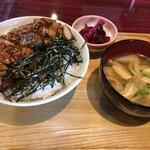 こま - 料理写真:照り焼き丼定食(770円)