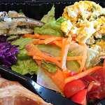 Italian Kitchen VANSAN - Italian Kitchen VANSAN 西葛西店 ローストポーク弁当のサラダ類
