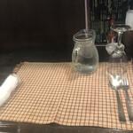 南欧田舎料理のお店タパス - テーブルセッティング
