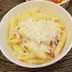 サイゼリヤ - チーズ&パンチェッタのショートパスタ 390円