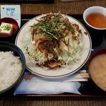 鳥一代 - 広島風鶏カツ(900円)
