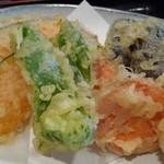 杜の台処 - 季節の野菜天ぷらアップ
