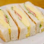 130195756 - モーニングセット 550円 のタマゴトースト
