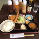 六三亭 - 料理写真:ミックスフライ定食 ¥980