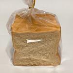 アトリエ・ウィークエンド - しっとり生食パン