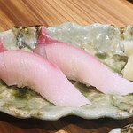 寿司と炭火 一 - クエ にぎり
