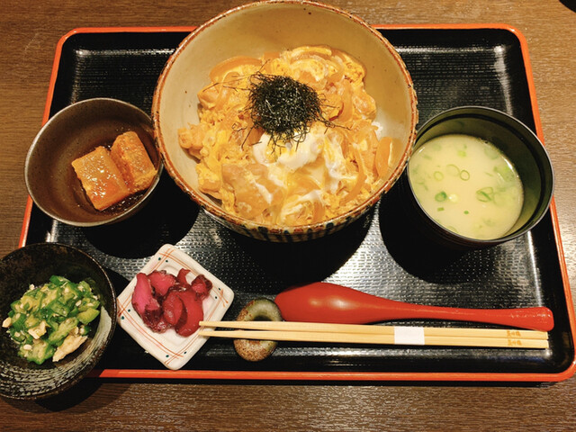 博多水炊きと炭火焼き鳥 美神鶏の料理の写真