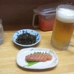 博多とんこつ 大晃ラーメン - 生ビール(550円)と明太子(1本380円)