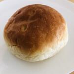 友永パン屋 - 小倉あんぱん110円