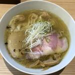 中村麺三郎商店 - 海老ワンタン塩らぁ麺(1130円)