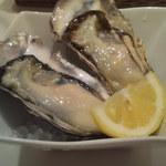 13024436 - 生牡蠣1個200円(2012/05)