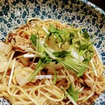 桜小町 - 豚しゃぶと梅肉風味の煮切り醤油 生パスタ スパゲティー