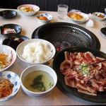 炭火焼肉 花炎亭 - 料理写真:大盛りスタミナカルビランチ