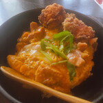 130251408 - ♦︎炭炙り焼き鶏の親子丼 ¥550                       ♦︎から揚げ単品二個   ¥150