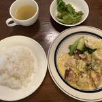 小さな街の食堂 cafe MISTY - チキンソテーランチ950円です
