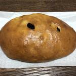 コーヒー&ぶどうぱんの店 舞い鶴 - 巨峰入りぶどうパン