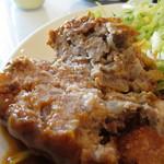 シュベスター - ハンバーグはしっかりした食感