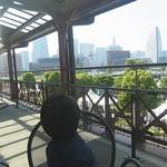 バー・チューン - 横浜のランドマークが丸見え!
